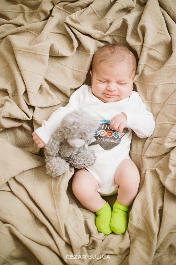 fotografie creativa de nou-nascuti targu mures fotograf profesionist sedinta foto familie pret album new born