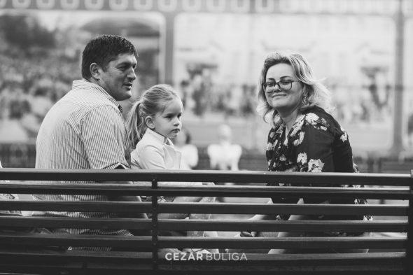 fotografie profesionala de familie platoul cornesti fotograf profesionist targu mures sedinta foto lejera artistica creativa cezar buliga prima tunsoare first haircut Berni portrete copii
