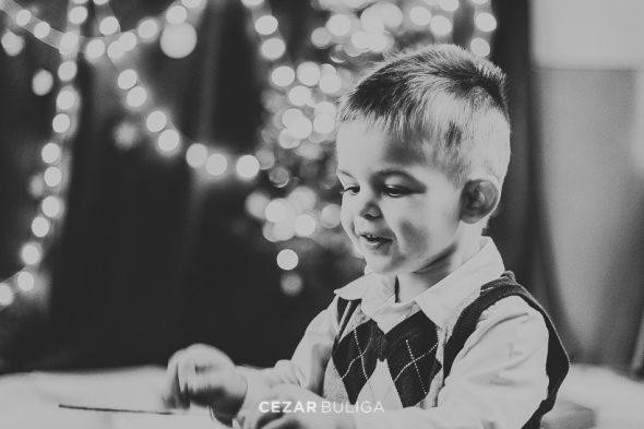 sedinta foto familie craciun baieti artist fotograf targu mures profesionist creative autentice naturale studio lumini craciun frumoase