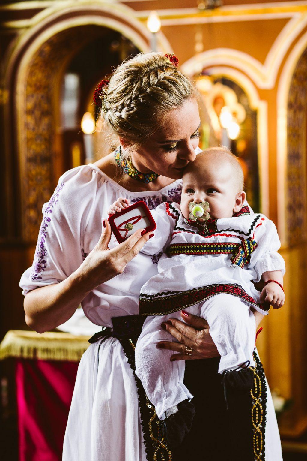 fotograf profesionist botez targu mures cluj bucuresti professional wedding photographer christening baptism destination transylvania