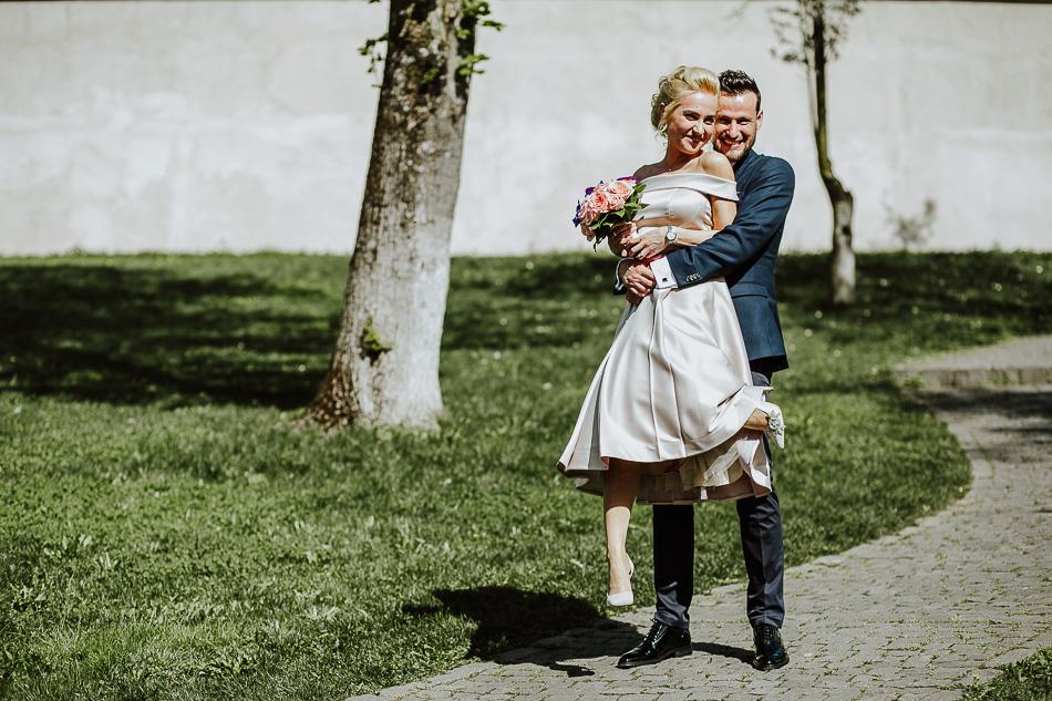 fotograf nunta mures cununie civila c&b mire mireasa nunta cetatea mures profesionist creativ creativitate imagini naturale