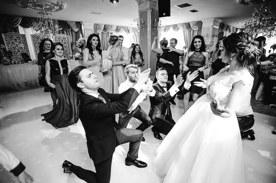 fotograf profesionist nunta targu mures cluj bucuresti brasov cezar buliga fotografii creative artistice naturale nunta ramona & lucian romarta one album fotografie wedding day